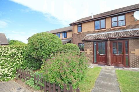 2 bedroom terraced house for sale - WATERSIDE DRIVE, GRIMSBY