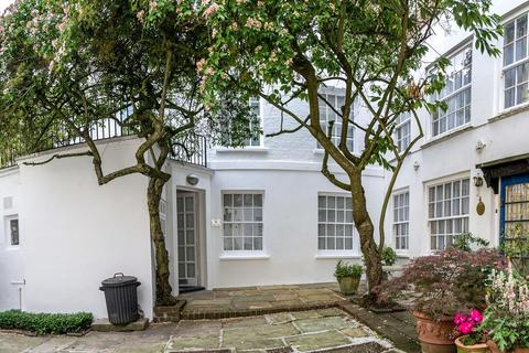 2 bedroom semi-detached house to rent - Golden Yard, Holly Bush Steps, Hampstead, London