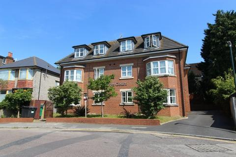 3 bedroom flat to rent - St Albans Road, Bournemouth,