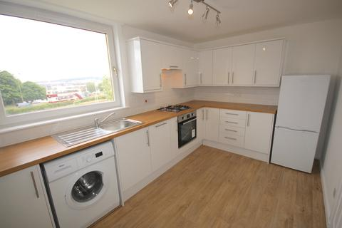 3 bedroom flat to rent - Calder View, Sighthill, Edinburgh
