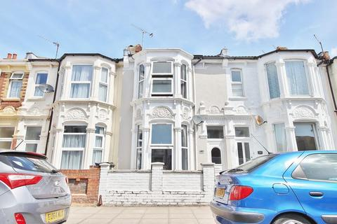 3 bedroom terraced house for sale - Chichester Road, North End