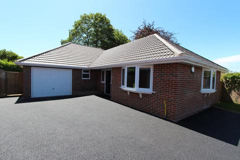 4 bedroom detached bungalow for sale - HIGHCLIFFE ON SEA