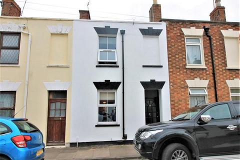 2 bedroom terraced house to rent - HUNGERFORD ROAD, GL50