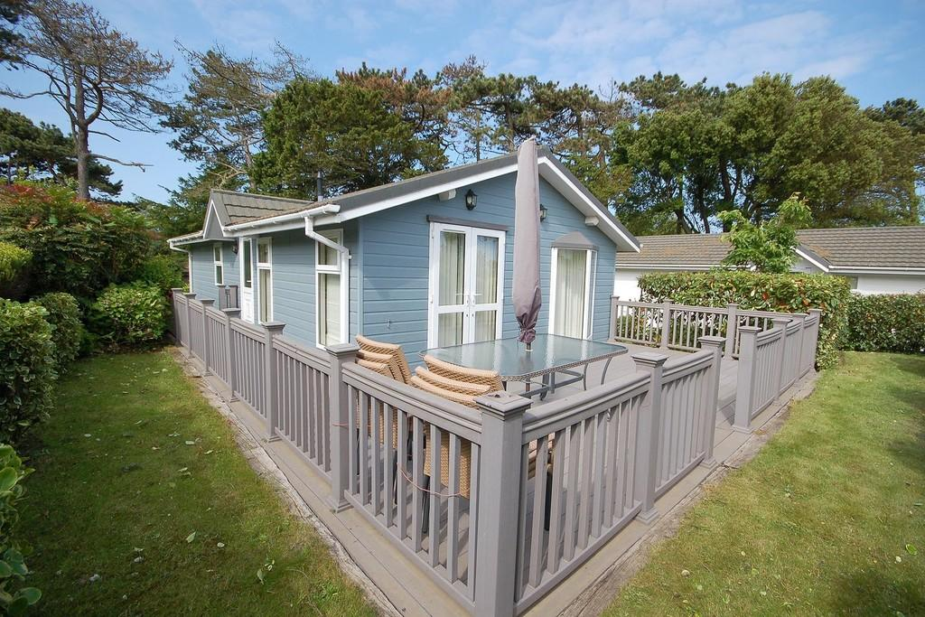 Nearest Gas Station From My Location >> Weybourne Hall Park, Weybourne 2 bed mobile home - £180,000