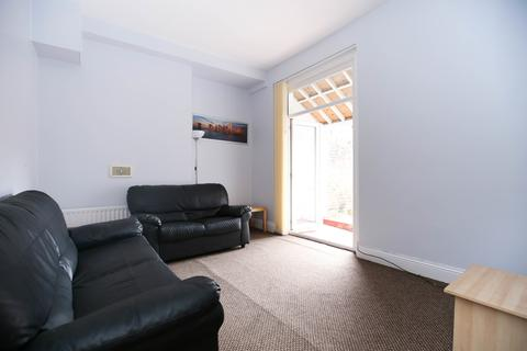 3 bedroom ground floor flat to rent - Larkspur Terrace, Jesmond, Newcastle Upon Tyne