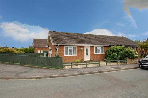 2 bedroom semi-detached bungalow for sale - Brooke Drive, Mablethorpe