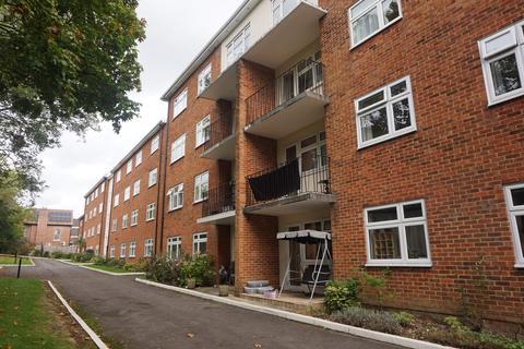 3 bedroom flat to rent - Southampton, Bassett, England