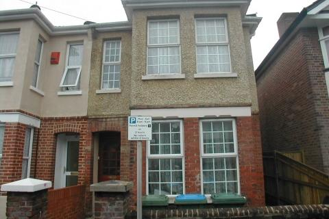 6 bedroom detached house to rent - Burlington Road,