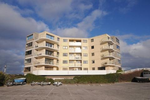 3 bedroom flat for sale - Salterns Way, Lilliput, Poole, Dorset BH14