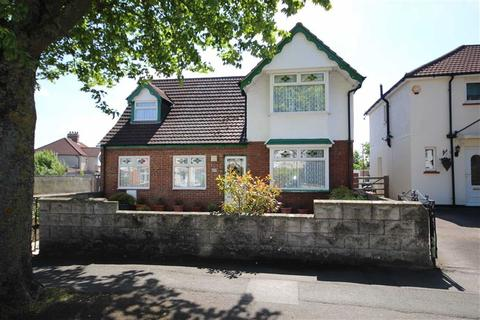 4 bedroom detached house for sale - Old Walcot, Swindon