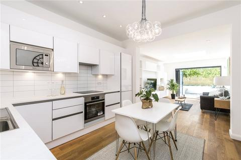 3 bedroom terraced house for sale - Burntwood Lane, London, SW17