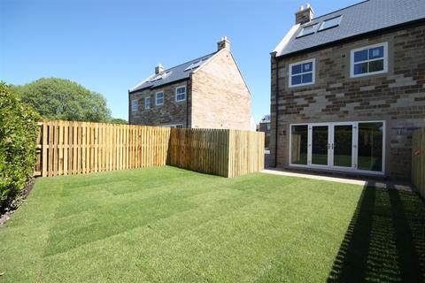 4 bedroom semi-detached house for sale - Kirk Green View, Kirk Lane, Yeadon
