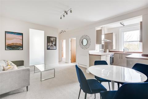 2 bedroom flat - Dewsbury Court, 44-66 Chiswick Road, London