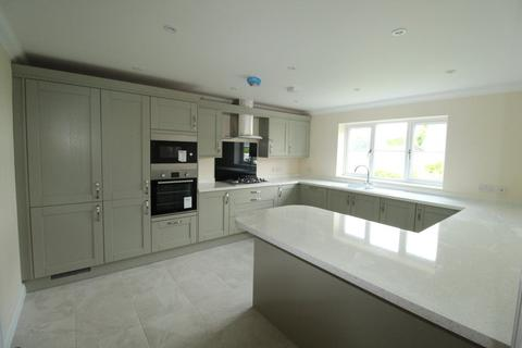 4 bedroom detached house to rent - Sturminster Marshall