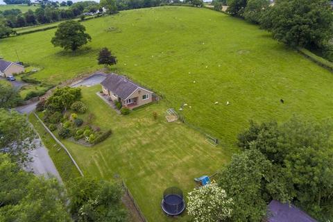 3 bedroom detached bungalow for sale - Rhallt, Welshpool