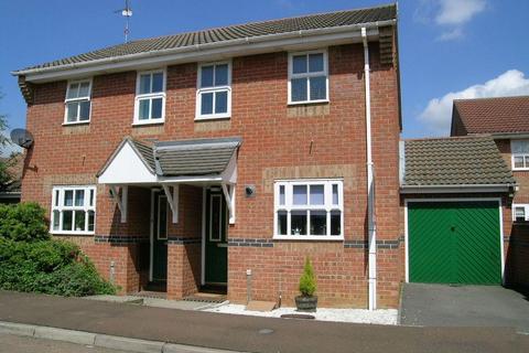 2 bedroom semi-detached house to rent - Honeysuckle Court, Woodston, PETERBOROUGH, PE2