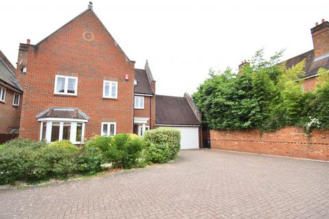 4 bedroom house to rent - Kemsley Chase, Farnham Royal, SL2