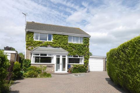 4 bedroom detached house for sale - The Beeches, Skelton, York