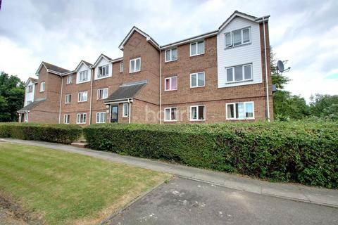 1 bedroom flat for sale - Waterville Drive, Basildon