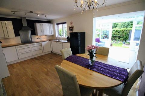 3 bedroom semi-detached house for sale - Cornflower Road, Haydon Wick, Swindon