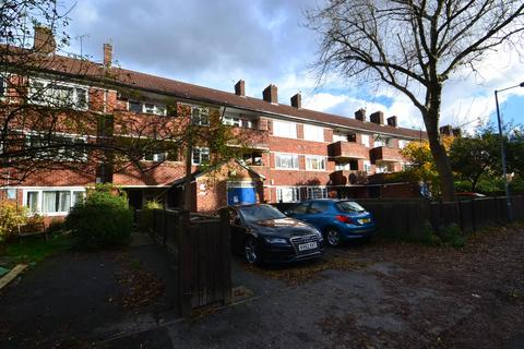 3 bedroom apartment to rent - Hunmanby Avenue Hulme Manchester M15 5FE