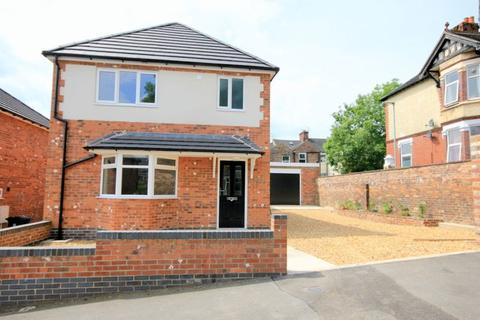 3 bedroom detached house for sale - Chamberlain Avenue, West End, Stoke