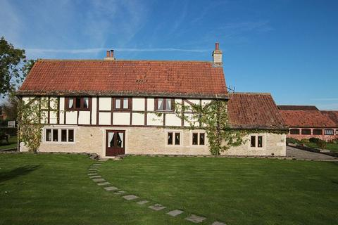 5 bedroom detached house to rent - Kings Farm , Little Common, North Bradley