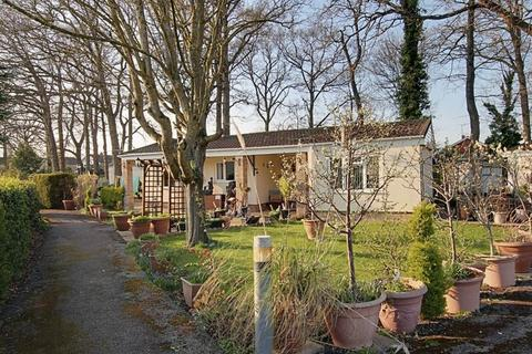 2 bedroom lodge for sale - Trowbridge Lodge Park, Trowbridge
