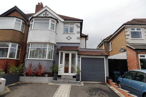 3 bedroom semi-detached house to rent - Midhurst Road, Kings Norton, Birmingham