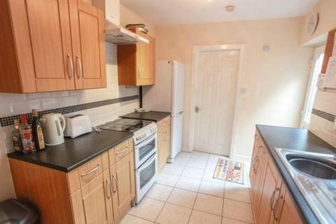 3 bedroom terraced house to rent - Sutcliffe St, Kensington