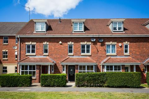 4 bedroom townhouse for sale - Armstrong Way, York, YO30