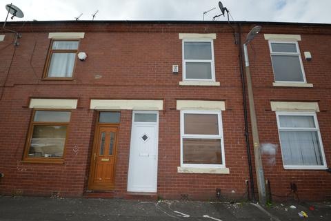 2 bedroom terraced house to rent - Levens Street, Salford, M6