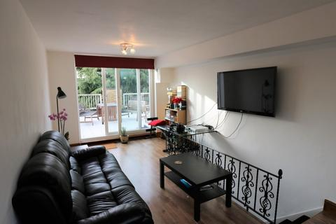 2 bedroom apartment to rent - Beulah Hill, Upper Norwood