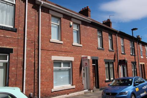3 bedroom terraced house - Elsdon Tce, North Shields.  NE29 7AT.  *NEWLY REFURBISHED & GARAGE*