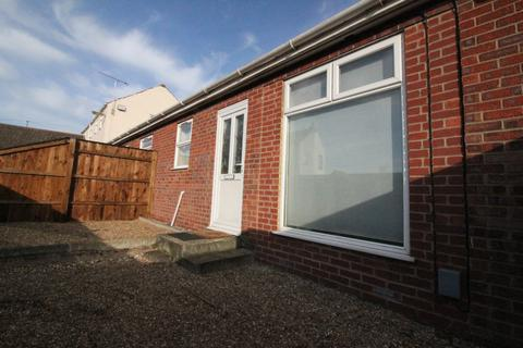 1 bedroom semi-detached bungalow to rent - The Courtyard , Norwich , Norfolk  NR7