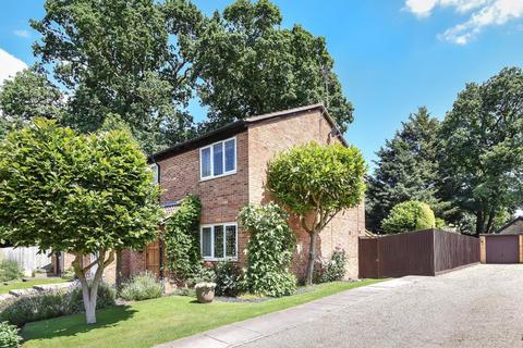 3 bedroom house for sale - Priors Way, Maidenhead, SL6