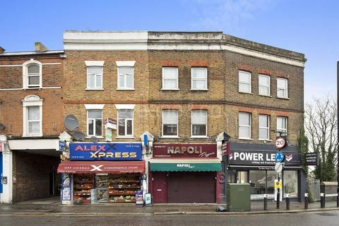 2 bedroom flat for sale - Palace Gates Road, London, N22