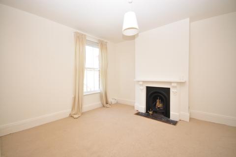 2 bedroom apartment to rent - Elphinstone Road Southsea PO5