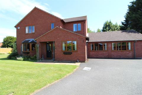 4 bedroom detached house for sale - 4 Cedar Grove, Wem,
