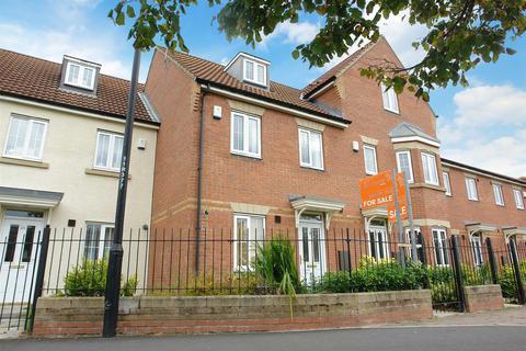 3 bedroom townhouse for sale - Rosebury Drive, Longbenton, Newcastle Upon Tyne