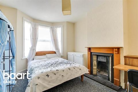 1 bedroom house share to rent - Brighton Road, Reading, RG6 1PS