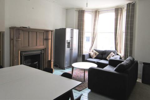 6 bedroom flat to rent - London Road, Brighton