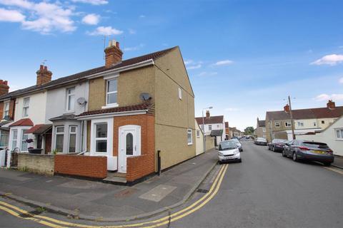 3 bedroom end of terrace house for sale - Ipswich Street, Ferndale