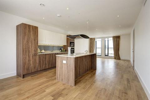 3 bedroom flat to rent - FAIRMONT MEWS NW2