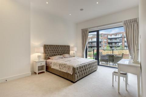 3 bedroom flat to rent - Lexington Place NW11