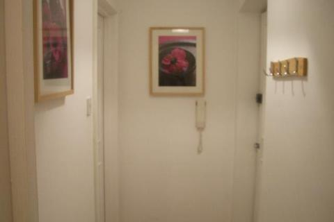 Studio to rent - 16 Pembroke PlacePier StreetMarinaSwansea