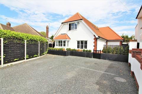 4 bedroom chalet for sale - Holland Park, Clacton-On-Sea