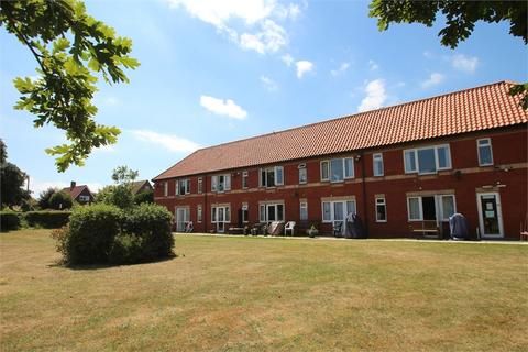 Studio for sale - Hall Crescent, HOLLAND-ON-SEA