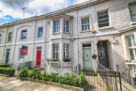 3 bedroom terraced house for sale - Selkirk Street, Pittville, Cheltenham, GL52