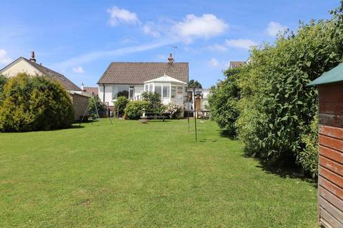 2 bedroom detached bungalow for sale - Philip Avenue, Sticklepath, Barnstaple